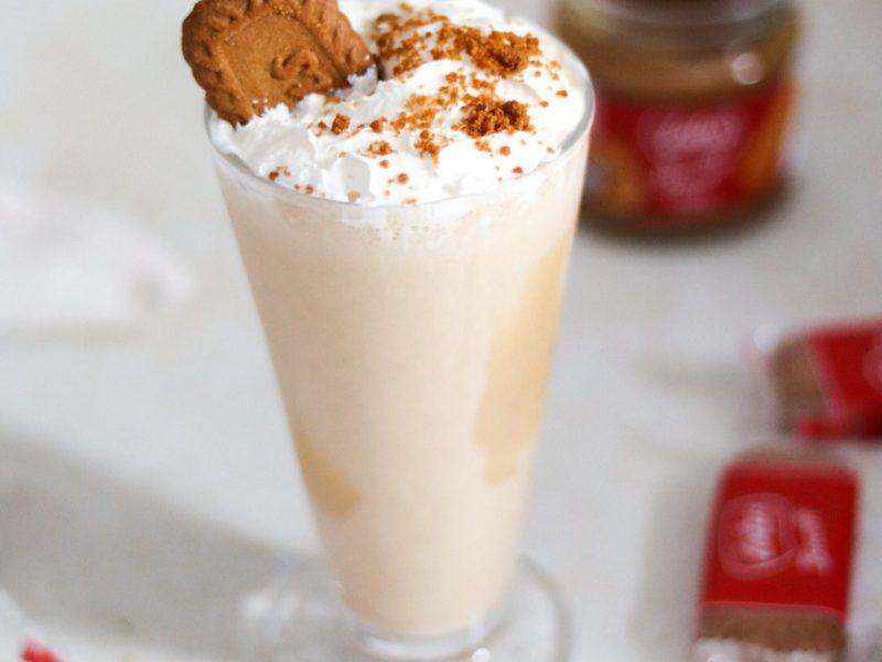 Easy and quick milkshake recipe using biscoff